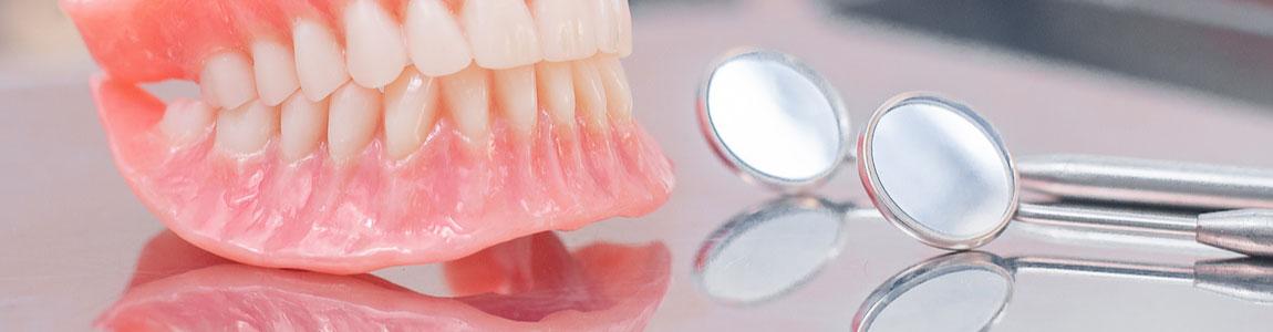 ベテラン歯科技工士との連携